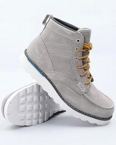 Nike Kingman Leather Boots