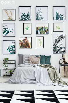 """""""Go Green"""" lautet das Motto in diesem Schlafzimmer! Die Pixum Wandbilder in unterschiedlicher Größe wurden in einem Farbschema gestaltet: Botanische Motive werden mit sommerlichen Schnappschüssen kombiniert. Die Bilder können immer wieder ausgetauscht werden, wodurch die Wanddeko wandelbar bleibt. #bedroom #walldecor #interiordesign Decor, Wall Decor, Gallery Wall, Decor Inspiration, Home Decor, Inspiration"""