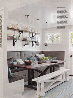 White distressed Kitchen bench. Love it! #BreakFast #Nook #Kitchen #Home #IrvineHome ༺༺ ❤ ℭƘ ༻༻