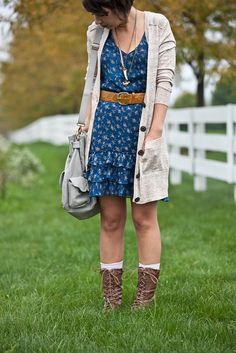 How to Wear Combat Boots? Cute Outfit Ideas in Military Style Dress With Cardigan, Dress With Boots, Long Cardigan, How To Have Style, Style Me, Cowboy Boots Women, Military Fashion, Military Style, Fashion Outfits
