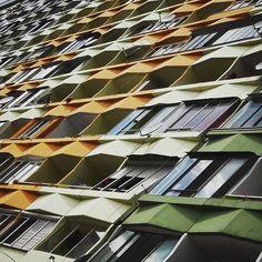 regram @prezident_lourajder #petrzalka #bratislava #panelak #vychodnaeuropa #easterneurope #panel #brutalism #comunism #architecture #architectureporn #pattern #geometry http://ift.tt/2a8iprl