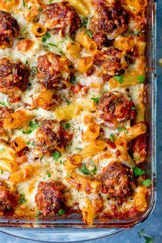 Smoky Meatball Pasta Bake - a meal the whole family will love! #meatballs #pastabake #meatballbake #familymeal #beef #mincedbeef #groundbeef