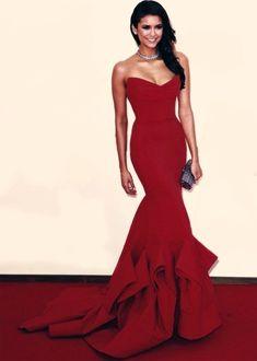 ae8715bc849 Nina Dobrev- proof that God has favorites! Elegant Dresses