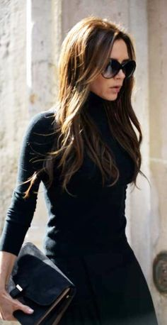 Victoria Beckham long layers black on black. Beautiful haircut. Sunglasses. Fashion icon