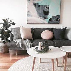 Cozy minimal pastel colour scheme in a room | #interiordesign #livingroom #color