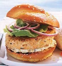 Salmon Burgers with Dill Tartar Sauce Recipe. pinning for dill tartar sauce recipe Southwest Turkey Burger Recipe, Turkey Burger Recipes, Turkey Burgers, Salmon Burgers, Burger Dogs, My Burger, Burger And Fries, Tarter Sauce, Hamburgers