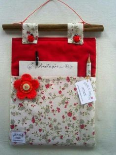 Would be cute for the classroom - students could leave notes Sewing Projects For Beginners, Projects To Try, Fabric Crafts, Sewing Crafts, Home Crafts, Diy And Crafts, Little Presents, Creation Couture, Hanging Storage