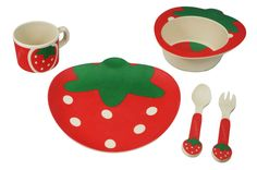 Bamboo Kids Mealtime 5 Piece Sassy Strawberry Box Set is specifically designed for children who are beginning to eat on their own. The colorful, durable next generation set promotes self-feeding habit
