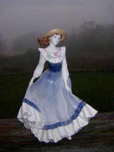 Beautiful Coalport Fine Porcelain Figurine   eBay