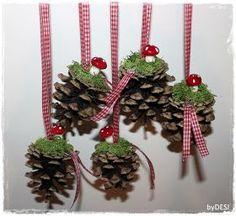 ... habe nochmal ein paar Zäpflis nachgelegt ... mit kleinen Glückspilzen und Karoband ... nicht ganz so weihnachtlich wie die ersten von hi...