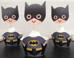Af Kitchen : Cute Batman Cupcake Wrappers Toppers Decoration for Boys Kids Birthday Party Favors Supplies Comic Superhero Af Kitchen http://www.amazon.com/dp/B00XTG1GHI/ref=cm_sw_r_pi_dp_R50Avb1XFNRC2
