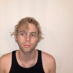 Luke went Platinum Blonde! Luke Hemmings, 5sos Luke, 1d And 5sos, New Hair, Your Hair, Girls Talk Boys, 5sos Preferences, 5sos Imagines, Luke Roberts