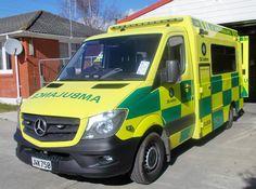 Benz Sprinter, Ambulance, New Zealand, Mercedes Benz, Van, Australia, Vehicles, Vintage, Emergency Vehicles
