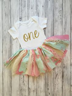 Girls First Birthday Outfit // Flower First Birthday Outfit // Baby Girl First Birthday Outfit // Flower First Birthday Outfit / Shabby Chic by MKsBowtique on Etsy