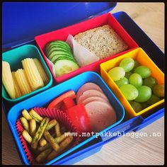 Matpakketips for travle foreldre - KK Kids And Parenting, Plastic Cutting Board, Lunch Box, Barn, School Ideas, Group, Voyage, Warehouse, Barns
