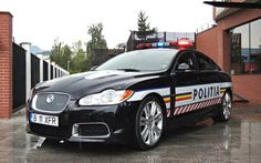 The Romanian Highway police in a 510 hp Jaguar XFR Old Police Cars, Military Police, Audi, Smokey And The Bandit, Car Badges, Police Uniforms, Emergency Vehicles, Police Vehicles, Latest Cars