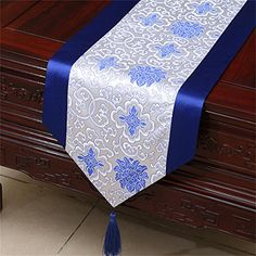 Damask table cloth Chinese rural wealth auspicious blue and white porcelain bed Tang style classical runner tarpaulin fabric Table Runner Size, Burlap Table Runners, Table Runner Pattern, Dining Table Cloth, Bed Cover Design, Modern Placemats, Diy Home Crafts, Table Toppers