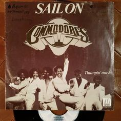 #Commodores Sail On/Thumpin Music #dutchrelease #1979 Motown 1A 006-63140 #7inch #45rpm #funk #soulmusic #discofunk #nowspinning #vinyljunkie #vinylrecords #instavinyl #igvinyl #igvinylclub #records #record #vinyl #vinylporn #vinylcollection #vinyligclub #vinyladdict #vinylcollectionpost #vinylcommunity #vinylcollector by gavlegroove_