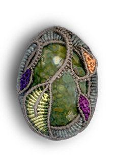 תוצאות חיפוש תמונות ב-Google עבור http://jewelrymaking.craftgossip.com/files/2007/11/micromacrame.jpg