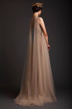 Tulle and a lot of embroideries are what he has used for the creation of these stunning evening dresses. Divas,in this post you can take a look at Krikor Jabotian Spring/Summer Dresses Elegant, Pretty Dresses, Evening Dresses, Prom Dresses, Formal Dresses, Dresses With Capes, Summer Gowns, Reign Dresses, Afternoon Dresses