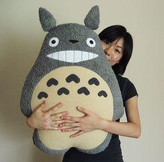 totoro pillow by melkatsa. this is handmade!! AHHHHHH I WANT ITTTTT. guys, make…
