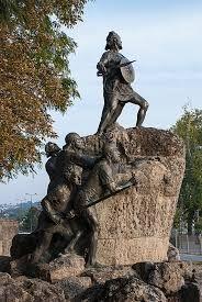 Resultado de imagem para estatuas de viseu