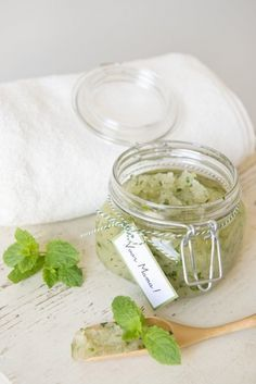 Make it with Dill Clean Beauty, Diy Beauty, Beauty Hacks, Beauty Ideas, Beauty Tips, Diy Body Scrub, Diy Scrub, Body Hacks, Personal Hygiene