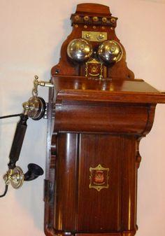 GAMLE TELEFONER JYDSK TELEFON KTAS VÆGTELEFON COBRAM L.M.ERICSSON