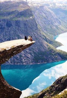 Trolltunga ( La Lengua del Troll) - Noruega