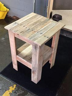 Pallet Furniture Designs, Wooden Pallet Projects, Wooden Pallet Furniture, Diy Outdoor Furniture, Pallet Crafts, Woodworking Projects Diy, Furniture Projects, Diy Furniture, Wood Pallets