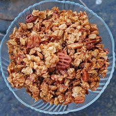 Super Tasty Crunchy Pecan Granola | pinchofyum.com