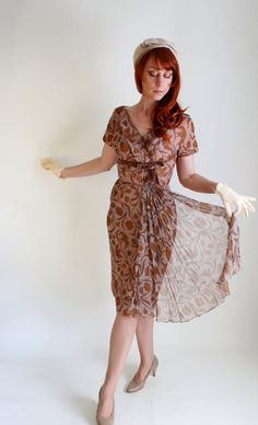 1950s Taupe Brown Floral Wiggle Party Dress. Cocktail Dress. Day Dress. Mad Men Fashion. Weddings. Size Medium