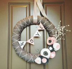 233553930649760779 DIY Valentines Day Wreath