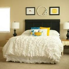 Another DIY tutorial for a ruffled bedspread.  Urban Outfitters Knock-off Ruffle Duvet
