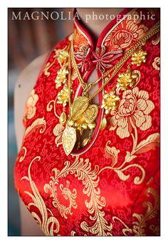 Chinese wedding dresses | Wedding Photography - Marriott Pinnacle Hotel | Vancouver Wedding ...