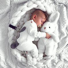 Discover the Scientifically Proven Solution That Gets Your Baby to Sleep like Clockwork Cute Kids, Cute Babies, Baby Kids, Baby Boy, Funny Babies, Cute Baby Pictures, Newborn Baby Photography, Maternity Photography, Photography Ideas