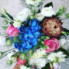Monday makes me happy happy joy joy! Special People, Flower Arrangements, Floral Wreath, Joy, Wreaths, Happy, Green, Flowers, How To Make