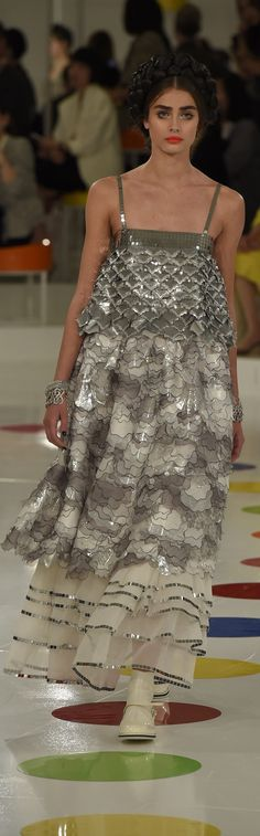 Chanel * Cruise Collection 2016 Runway Fashion Looks, I Love Fashion, High Fashion, Fashion Show, Fashion Design, Beautiful Outfits, Beautiful Things, Coco Chanel Fashion, Chanel 2015