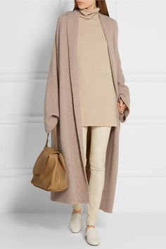 Beige cashmere-blend Slips on 72% cashmere, 17% silk, 10% nylon, 1% elastane Dry clean