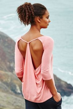 Yoga Fashion // Fitness Fashion // On Trend // Ethical Fashion // In Style // Work Out Wear // Gym Outfit Inspiration ❤︎ Yoga Outfits, Womens Workout Outfits, Sport Outfits, Cute Outfits, Workout Wear For Women, Yoga Fashion, Fitness Fashion, Mode Yoga, Gym Outfits