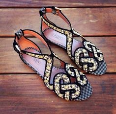 . More Shoes, Bubll Shoes, Shoes Games, Shoes Fit, Sandals, Cheerful, Accessories, Shoes Shoes, Style Fashion Alaia