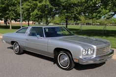 1976 Chevrolet Impala Custom Actual Miles Time Capsule Rare Buy It Now - Used Chevrolet Impala for sale in Woodbury, New Jersey Caprice Classic For Sale, Chevy Caprice Classic, Chevy Classic, Chevrolet Caprice, Old Classic Cars, Chevrolet Bel Air, Impala For Sale, Donk Cars, Fancy Cars