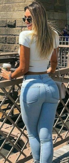 Want to find latest and trendy women clothes in this season? Sexy Jeans, Superenge Jeans, Curvy Jeans, Skinny Jeans, Sexy Shorts, Denim Shorts, Belle Nana, Vaquera Sexy, Beste Jeans