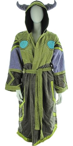 World of Warcraft Draenei Junior Robe It's like magic when you wear this junior-sized World of Warcraft robe featuring satin panels! The World of Warcraft Draenei Junior Robe is a green and gray women's hooded bathrobe with blue and purple highlights. It offers a warm and comfortable feel along with a fully embroidered design that mimics the look of female draenei, or the Exiled Ones, who practice magic in the online role-playing game World of Warcraft! | Shop this product here…