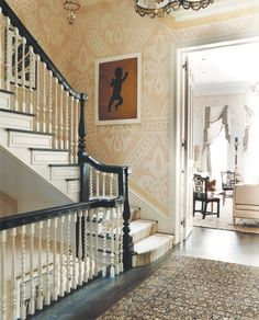 robert-couturier-love the dramatic wall covering