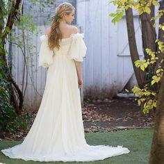 cd6faec115a98 FioreBiancaでは提携外会場の お客様もお手伝いをさせて頂いて おります。 特別な1日をFioreBiancaのドレスで、、.  .   fiorebianca  yolancris  ヨーランクリス ...