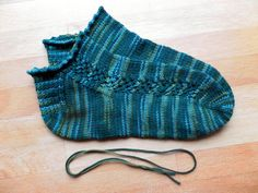 Toe Socks Knitting Pattern Knitting Socks Toe Up Vs Cuff Down. Toe Socks Knitting Pattern Winwick Mum Basic Sock Pattern And Tutorial Easy Beginner. Toe Socks Knitting Pattern Learn To Knit Toe Up Magic Loop Socks. Knitting Stitches, Knitting Socks, Knitting Patterns Free, Baby Knitting, Stitch Patterns, Knitted Hats, Crochet Patterns, Knit Socks, Knitted Slippers