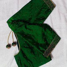 Blouse Designs High Neck, Cutwork Blouse Designs, Best Blouse Designs, Simple Blouse Designs, Stylish Blouse Design, Peacock Blouse Designs, Kerala Saree Blouse Designs, Saree Kuchu Designs, Designer Blouse Patterns
