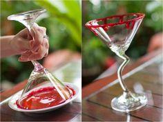 faux sang fait maison- idées party Halloween avec verres sanglants