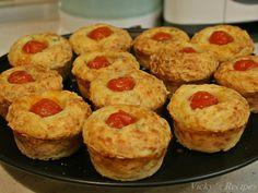 briose-cu-cascaval-si-sunca4 Mozzarella, Muffin, Breakfast, Food, Morning Coffee, Muffins, Meal, Essen, Hoods